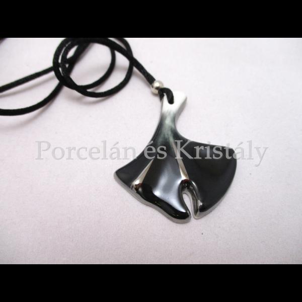 10594/8424 Ginkgo medál fekete, 5x4 cm